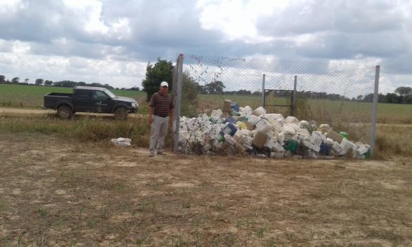 http://apia-bolivia.org/images/boletin/noticias/nota-informe-actividades-cuidagro-campo-limpio-1.jpg